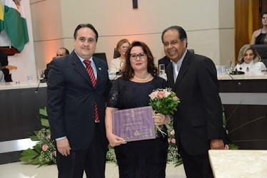 "Professora da Unicentro recebe diploma ""Mulher Cidadã"""